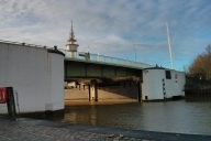 Kennedybrücke und Sturmflutsperrwerk