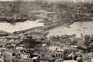 Pont de Galata, Istanbul.Vue stéréoscopique, vers 1900.Collection du Stéréo-Club Français.