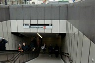 Herrengasse Metro Station, access