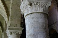 Beaugency - Eglise abbatiale Notre-Dame - Nef - Chapiteaux romans.