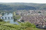 Übersicht über Cahors mit mehreren Brücken.