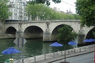 Le Pont Marie, entre l'île Saint-Louis et le quai des Célestins (Paris 4e).