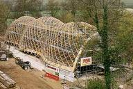 The Weald & Downland Museum, West Sussex, UK, has another building attraction. The PERI scaffolding solution created the ideal conditions for an economical and safe working sequence in the building of the timber construction of this extraordinary roof supporting structure.