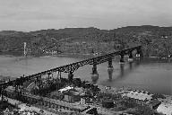 Poughkeepsie Railroad Bridge(HAER, NY,14-POKEP,8-;DLC/PP-97:NY-22)