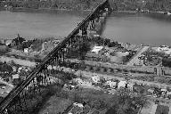 Poughkeepsie Railroad Bridge(HAER, NY,14-POKEP,8-;DLC/PP-97:NY-23)