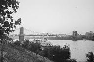 Cincinnati Suspension Bridge.(HAER, OHIO,31-CINT,45-1)