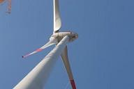 E-82 Windkraftanlage Ingersheim aus der Froschperspektive