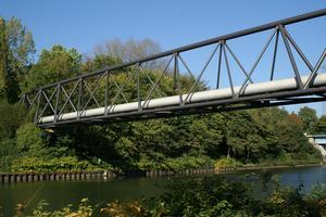 Pipeline bridges