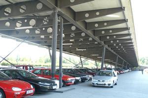 Parking garages / structures