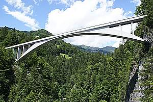 Reinforced concrete bridges