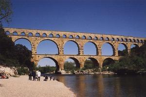 Aqueduct bridges