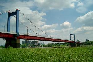 Zügelgurtbrücken