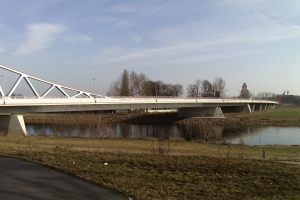 Fachwerkmittelträgerbrücken