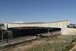 Stahl-Verbundwerkstoff-Verbundbrücken