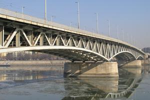 Deck truss bridges