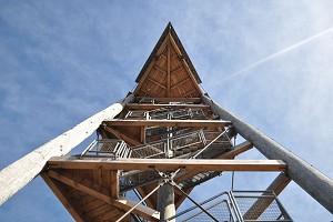 Holzfachwerktürme