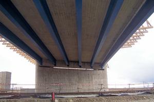 Multiple girder bridges
