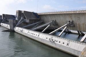 Flood-control dams