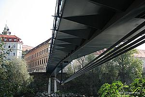 Underslung girder bridges