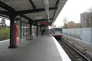Ebenerdige U-Bahn- und Straßenbahnhaltestellen