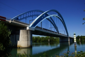 Vénéjan-Mornas Viaduct