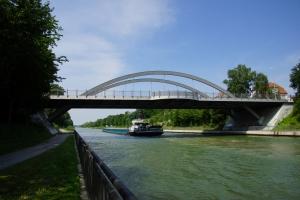 Hannoversche Strasse Bridge