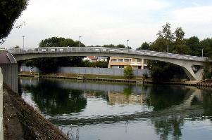 Zweigelenkige Trapezrahmenbrücken