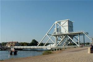 Scherzer rolling lift bascule bridges