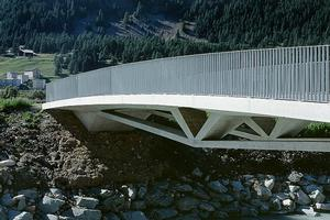 Rigid frame bridges with underslung main span