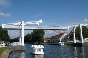 Pendulum bridges
