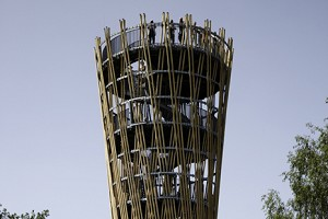 Hyperbolic wooden lattice towers