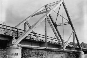 Fachwerkbrücken mit Waddell-A-Träger