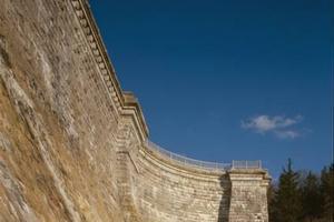 Mauerwerksstaumauern