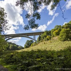 Oparno D8 Motorway Bridge