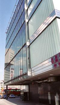 Media Tower & Gläserne Killepitschfabrik (Düsseldorf, 2006)