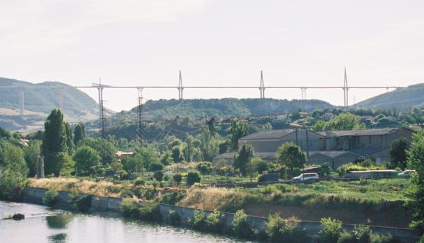 Viaduc de Millau vue du Pont Lerouge