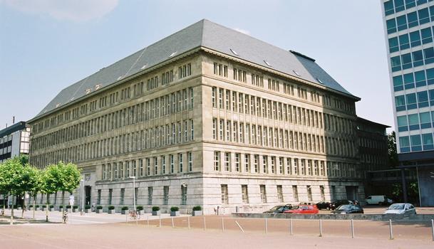 Mannesmann (heute Vodafone) Verwaltungsgebäude (Düsseldorf, 1912)