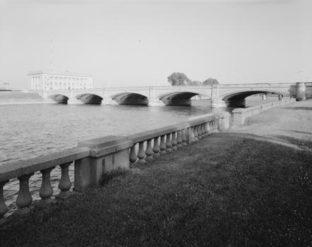 Court Avenue Bridge