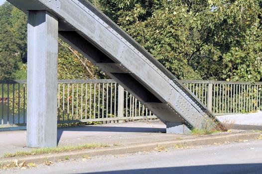 Bridge across the entrance of the port of Gelsenkirchen