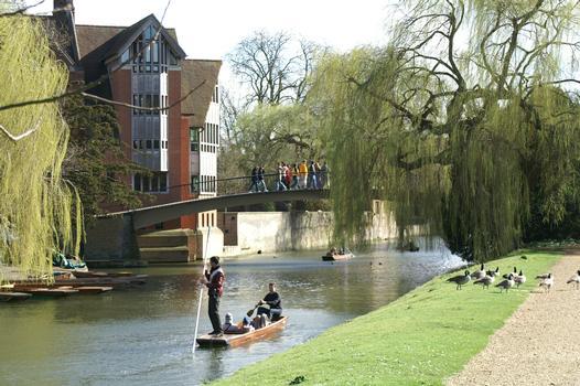 Garret Hostel Bridge (Cambridge, 1960)