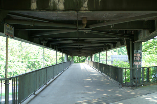 Bridge across Darpestrasse and A40, Bochum-Hamme