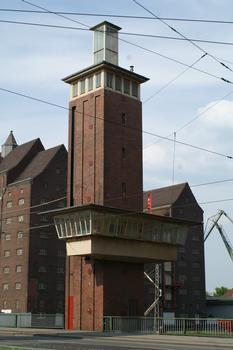 Schwanentorbrücke, Innenhafen, Duisburg