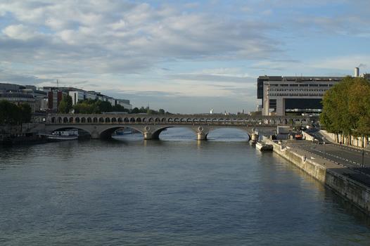 Pont de Bercy, Paris.