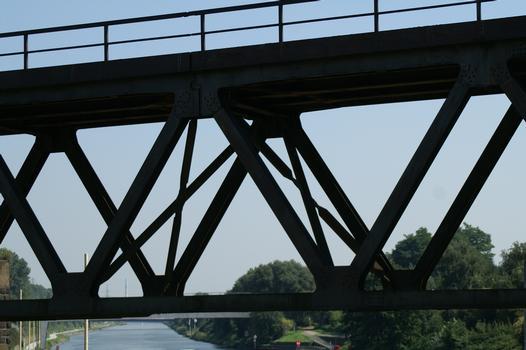 Bridge No. 319a crossing the Rhine-Herne Canal at Oberhausen