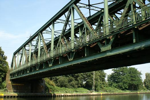 Bridge No. 318 crossing the Rhine-Herne Canal at Oberhausen
