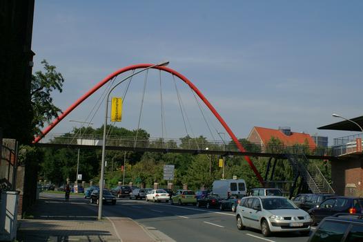 Fußgängerbrücke über die Mülheimer Strasse in Oberhausen