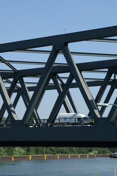 Bridge of the Autobahn A3 crossing the Rhine-Herne Canal at Oberhausen
