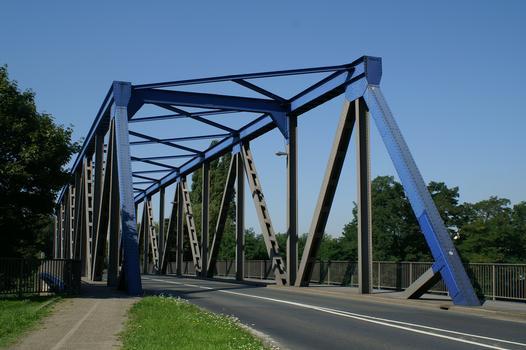 Brücke Nr. 311 über den Rhein-Herne-Kanal zwischen Duisburg und Oberhausen