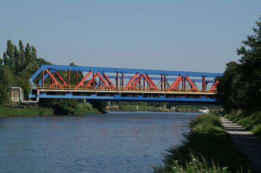 Bridge No. 310 across the Rhine-Herne Canal at Oberhausen and Duisburg