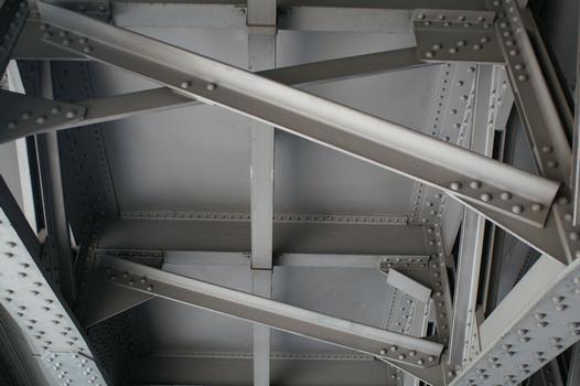 Railroad bridge across Unionsstrasse at Dortmund